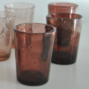 Lyserøde vandglas