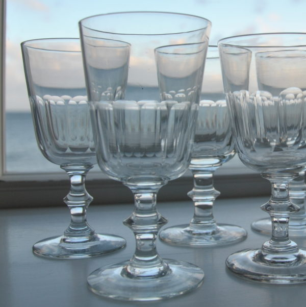8 smukke Chr IV glas