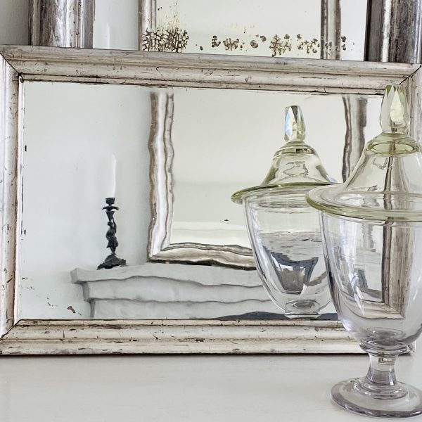 Svensk sølvspejl med gammelt glas