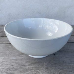 Gammel fransk skål i hvidt porcelæn